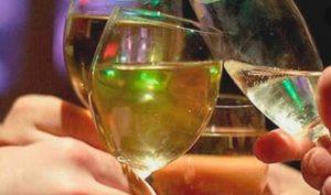 Aumenta 63% ingreso de personas por problemas con el alcohol en el IMSS