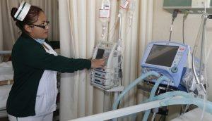 Buscan a seis mil médicos y enfermeras para trabajar en el IMSS