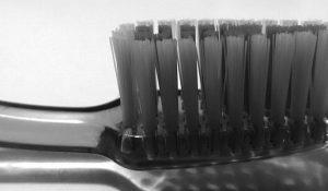 Lavarse los dientes con frecuencia reduciría problemas cardíacos
