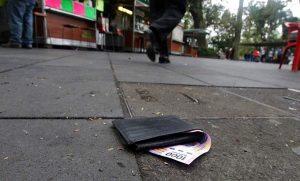 Todos caen en la tradicional broma de los Santos Inocentes en Xalapa