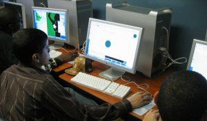 Centennials, la generación digital, respetuosa, pragmática y trabajadora: Estudio