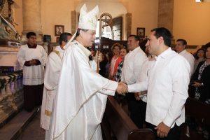El Gobernador Mauricio Vila Dosal asiste a celebración eucarística por el 478 aniversario de Mérida