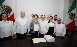Secretaria General de Gobierno, María Fritz Sierra, entrega Primer Informe de Resultados al Congreso de Yucatán