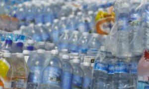 Mexicanos, quienes consumen más agua embotellada en el mundo