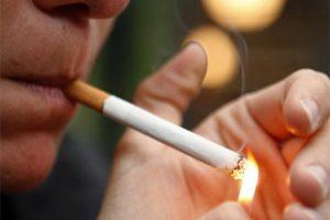 Fumar en el embarazo aumenta riesgo de fracturas en los bebés: estudio