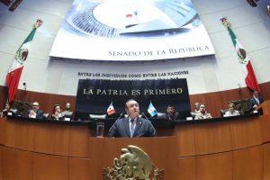 Senado recibe en sesión solemne a presidente de Guatemala