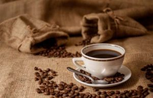 Quien toma café tiene huesos más fuertes, revela estudio