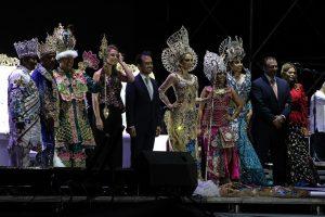 Coronan a Corte Real del Carnaval de Veracruz y se presenta Mario Bautista y Emilio Osorio