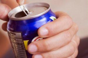 Bebidas azucaradas aumentarían riesgo de mal cardiovascular: Estudio