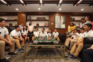 El Gobernador Mauricio Vila Dosal destaca el ingenio y creatividad de estudiantes yucatecos de secundaria