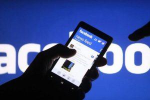 Facebook elimina hasta un millón de cuentas falsas al día: Zuckerberg