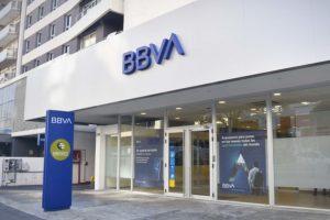 Bancos se suman al paro #UnDiaSinNosotras; piden comprensión a clientes en sucursales