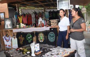 Registra tianguis de artesanos y productores de Puerto Morelos más historias de exito