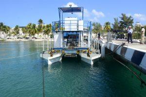 """Para mantener las playas libres de sargazo, arriba a Quintana Roo el buque sargacero costero ARM """"Fluitans"""" (BSC-201)"""