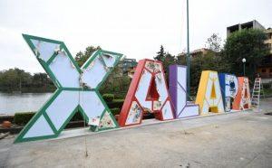 Instalan nuevas letras turísticas en el paseo de Los Lagos, en Xalapa, Veracruz
