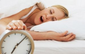 Restricción del sueño puede aumentar riesgo de adquirir coronavirus: Especialista