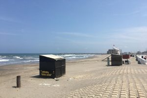 Playas de Boca del Río lucen desoladas por contingencia ante el COVID-19