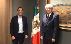 El Gobernador Mauricio Vila Dosal se reúne con el titular de la SCT, Javier Jiménez Espriú