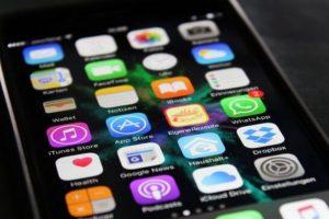 Conoce las aplicaciones con las que podrían espiarte a través de tu celular