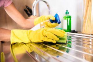 Mantener casa y ropa desinfectadas, ayuda a evitar contagios del coronavirus
