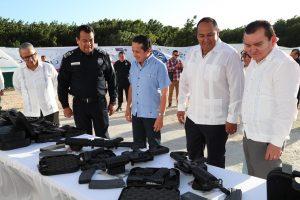 El gobernador Carlos Joaquín puso en operación el C2 de Isla Mujeres