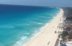 Guardavidas continúan vigilando playas públicas, a pesar de estár paralizada la actividad turística en Cancún