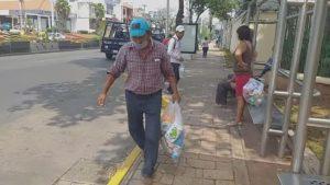 Iglesia católica en Tabasco entrega despensas de 'mesas solidarias'