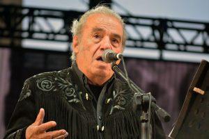 Fallece el cantautor mexicano Óscar Chávez, confirma Secretaría de Cultura