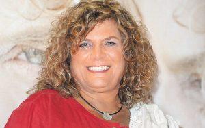 Denisse de Kalafe celebrará a las mamás con conciertos en línea