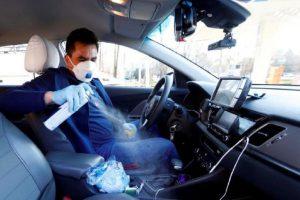 Uber obligará a conductores y pasajeros a usar cubrebocas