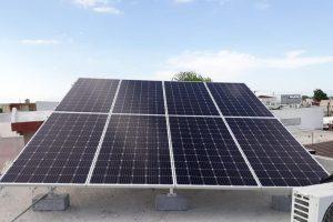 Juez admite dos amparos contra acuerdo que frena acceso a energías renovables