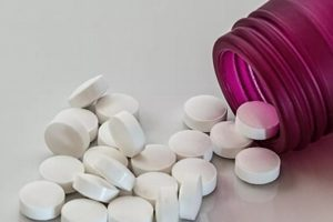 Aprueban en Rusia primer medicamento contra COVID-19