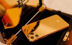 """Lanzan el """"Escobar Gold"""", un iPhone 11 enchapado en oro de 24k"""