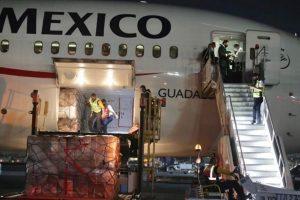 Arriban a México dos millones de cubrebocas de China