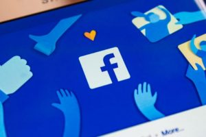 Facebook etiquetará a medios que estén sujetos a control gubernamental