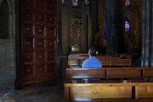 Regresarán las misas sin 'saludo de la paz' y con 'Susana distancia'