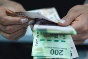 Taxistas, meseros, camareros y tianguistas podrán adquirir crédito a la palabra
