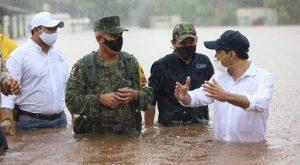 Vila recorre las zonas afectadas en Tekax por fuertes lluvias