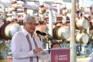 Es una garantía, una bendición que se tenga a un gobernador honesto como Cuitláhuac García Jiménez: AMLO
