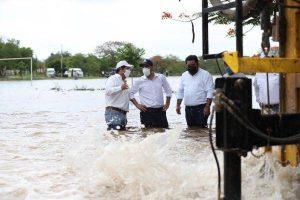 Supervisa Mauricio Vila apoyos a San José Hilí; en Motul