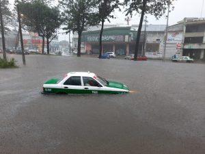Lluvias en Xalapa deja al menos 50 colonias afectadas; activan refugios temporales