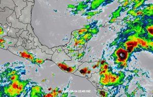 Viene tren de ondas tropicales para la Península de Yucatán