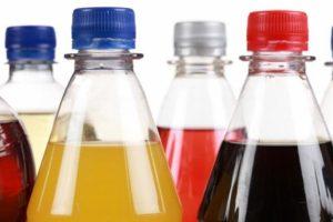 Reprueban refresqueras dichos de López-Gatell acerca de que sus productos son «veneno embotellado»