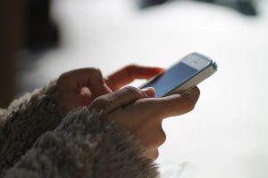 ¿Sabes cómo ocultar que estás 'escribiendo' en una conversación de WhatsApp?