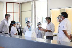 Recorre Vila el piso 3 del HRAEPY que está listo para atender a pacientes con Covid-19