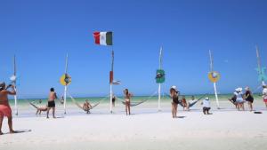 Holbox y Cozumel reabren al turismo tras contigencia