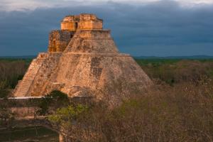 Yucatán firma convenio de colaboración con Fonatur para el desarrollo turístico de la Ruta Puuc