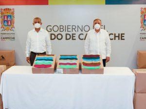 El gobernador Carlos Miguel Aysa González entrega 150 mil cubrebocas para distribuir entre la población de Campeche