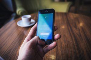 No permitimos anuncios políticos: Twitter responde a AMLO