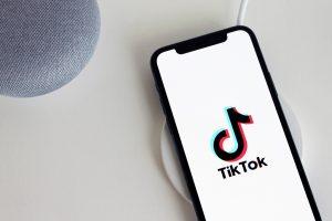TikTok lanza sitio web para enfrentar rumores y desinformación
